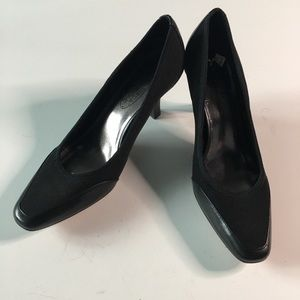 CIRCA Joan & David Dionne High Heel Pump